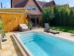 Syrovice, RD 4+kk, nadstandardní bydlení, dvojgaráž, vyhřívaný bazén, klidná lokalita - rodinný dům - Domy Brno-venkov