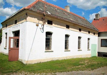 Prodej komerčních prostor v lokalitě Ctidružice, okres Znojmo - obrázek č. 1