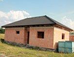 Šanov, stavební parcela s hrubou stavbou, 696 m² - pozemek. - Pozemky Znojmo