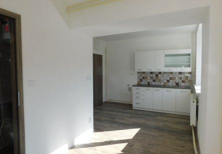 Pronájem bytu v lokalitě Dobšice, okres Znojmo - obrázek č. 1