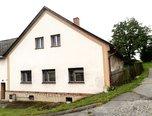 Sulkovec, zemědělská usedlost – dvě bytové jednotky 3+1, pozemek 3 164 m2, zahrada, dvůr – rodinný dům - Domy Žďár nad Sázavou
