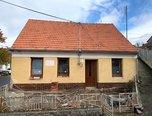 Dolní Dubňany, RD 2+1, pozemek 267 m², možnost půdní vestavby, dvůr, rekonstrukce – rodinný dům - Domy Znojmo