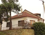 Želetava , RD 5+kk , 501m2, uzavřený dvorek a malá zahrádka  –   rodinný dům - Domy Třebíč