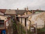 Tlumačov, RD 1+1, 152 m², dvůr - rodinný dům - Domy Zlín