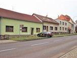 Hrušovany nad Jevišovkou, komerční prostor RD, 368m2, nová střecha, fasáda   –   komerce - Komerční Znojmo
