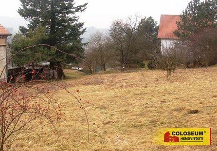Prodej pozemku v lokalitě Omice, okres Brno-venkov - obrázek č. 1