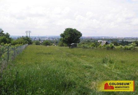 Prodej pozemku v lokalitě Suchohrdly, okres Znojmo - obrázek č. 1