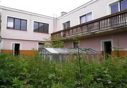 Prodej komerčních prostor v lokalitě Plenkovice, okres Znojmo - obrázek č. 1