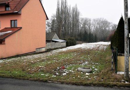 Prodej pozemku v lokalitě Topolany, okres Vyškov - obrázek č. 1