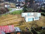 Zlín - Lužkovice,  stavební pozemek, 848 m², sítě, příjezdová cesta – pozemek - Pozemky Zlín