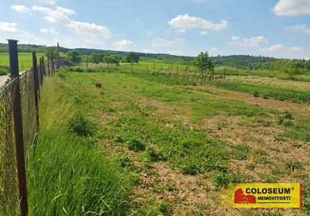 Prodej pozemku v lokalitě Biskoupky, okres Brno-venkov - obrázek č. 1