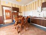 Nezdenice, RD 5+kk, garáž, terasa - rodinný dům - Domy Uherské Hradiště