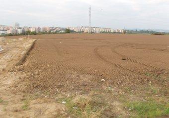 Prodej pozemku v lokalitě Moravany, okres Brno-venkov - obrázek č. 1