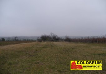 Prodej pozemku v lokalitě Ivaň, okres Brno-venkov - obrázek č. 1