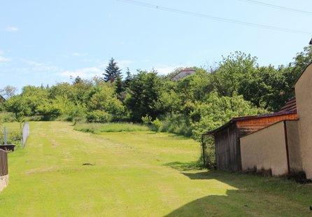 Prodej pozemku v lokalitě Popůvky, okres Brno-venkov - obrázek č. 1