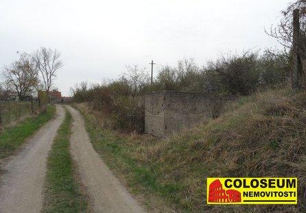 Prodej pozemku v lokalitě Krhovice, okres Znojmo - obrázek č. 1