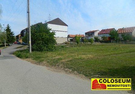 Prodej pozemku v lokalitě Pohořelice, okres Brno-venkov - obrázek č. 1