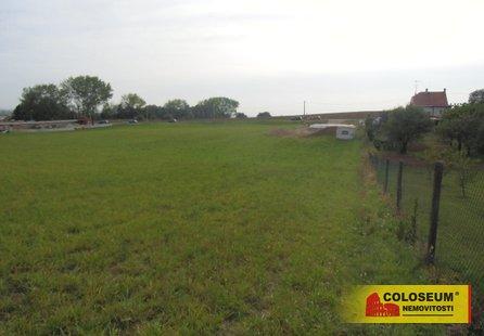 Prodej pozemku v lokalitě Pozořice, okres Brno-venkov - obrázek č. 1
