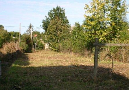Prodej pozemku v lokalitě Dalešice, okres Třebíč - obrázek č. 1
