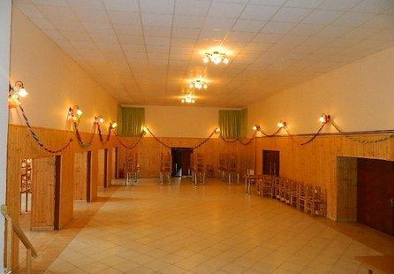Prodej komerčních prostor v lokalitě Olbramovice, okres Znojmo - obrázek č. 1
