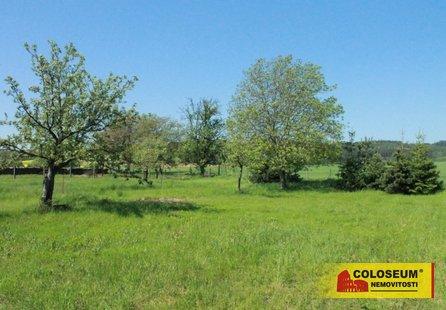 Prodej pozemku v lokalitě Jinačovice, okres Brno-venkov - obrázek č. 1