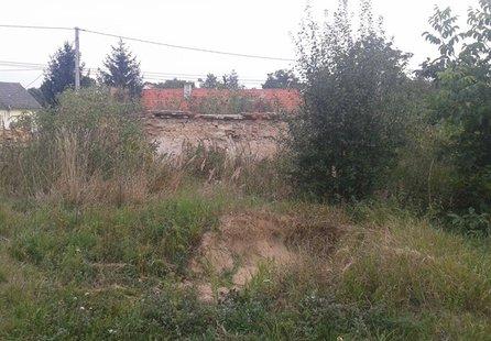 Prodej pozemku v lokalitě Lančov, okres Znojmo - obrázek č. 1