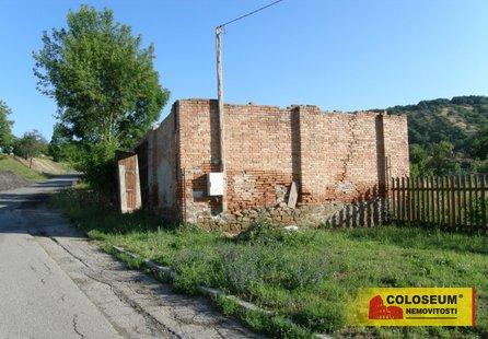 Prodej pozemku v lokalitě Viničné Šumice, okres Brno-venkov - obrázek č. 1