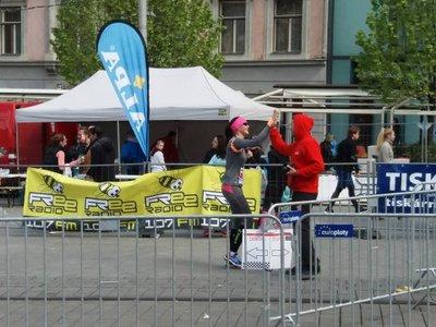 Coloseácké přivítání v cíli Brněnského půlmaratonu