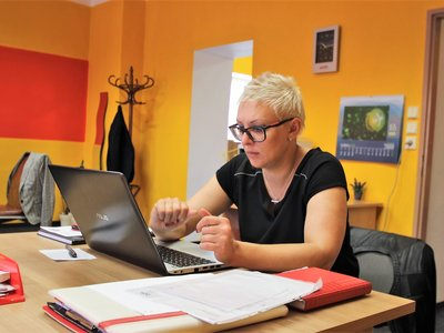 V kanceláři