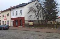 Činžovní dům na náměstí v Paskově