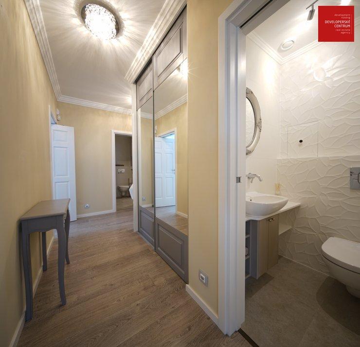 Chodba, samostatné wc