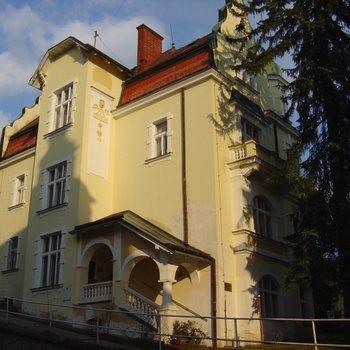 Prodej   Vila - penzion v centru lázeňského města Mariánské Lázně