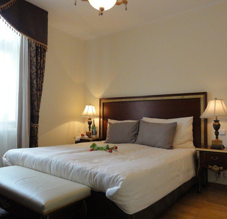 sony ML hotely 101