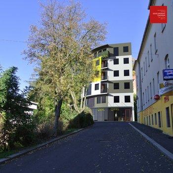 Hotel na prodej v centru Mariánských Lázní (projekt na klíč)   6.NP   642 m   14 pokojů + komerční prostor (restaurace)