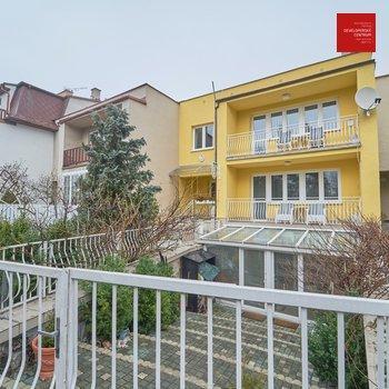 Prodej rodinného řádového domu na ulici Čapková   Mariánské Lázně - Hamrníky