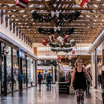Шоппинг и магазины в Марианских Лазнях