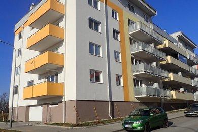 Pronájem bytu 1+kk s garážovým stáním, na sídlišti Kamechy, Ev.č.: DR2B 10213R