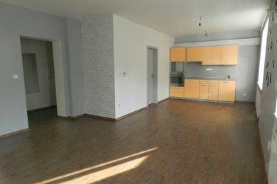 Pronájem bytu 2+kk, v celkově zrekonstruovaném domě na ul. Nopova, Brno - Židenice, Ev.č.: DR2B 20221R