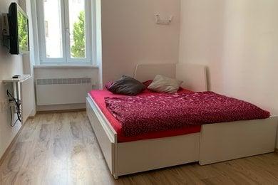 Pronájem zařízeného bytu 1+kk, 25m² - Brno - Žabovřesky, ul. Zborovská, Ev.č.: DR2B 10175R