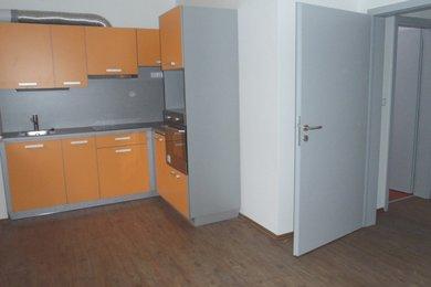 Pronájem částečně zařízeného bytu 2+1,v celkově zrekonstruovaném domě na ul. Nopova, Brno - Židenice, Ev.č.: DR2B 21157R