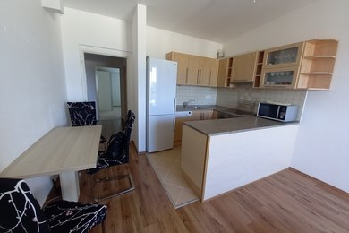Pronájem bytu 3+kk s terasou, v novostavbě bytového domu, v klidném mstě obce Rousínov, na ul. Zahradní, Ev.č.: DR2B 30709R