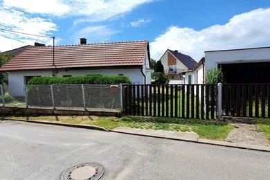 Prodej RD 2+kk+garáž, Bezno u Mladé Boleslavi,  pozemek 491m², Ev.č.: 00189