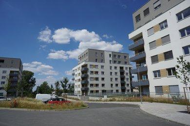 Pronájem, Byty 1+kk/L, 37m² - Praha - Vysočany, Ev.č.: 00024
