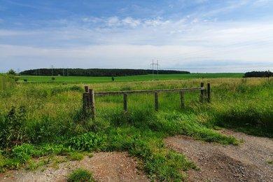 Prodej pozemku o výměře 7122 m² v obci Žilina u Kladna, Ev.č.: 00037