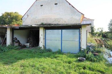 Pronájem krytého parkovacího místa, 19 m² - Červený Újezd Hájek, Ev.č.: 00064