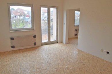 Prodej, byt, OV, 3+1, 3.NP, balkon, parkování, Nížkovice, Ev.č.: 00010
