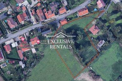Pozemky pro bydlení 2.902m² a Občanská vybavenost 1.303m² - Kněževes