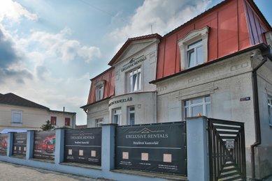 Interiér sídla realitní kanceláře EXCLUSIVE RENTALS LTD prodej a pronájem  nemovitostí