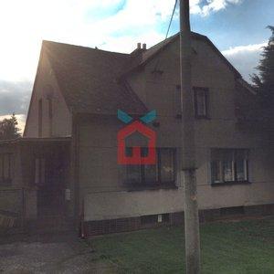 Prodej, Rodinné domy, 430m² - zahrada 2279m2 - Uhřičice
