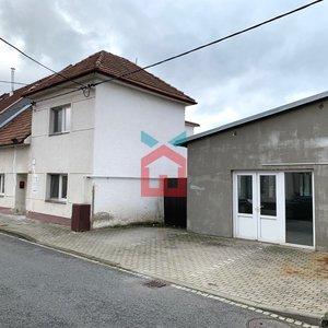 Prodej, Rodinné domy 5+1,  238m² + zahrada 147m² + Garáž s dílnou - Uherské Hradiště - Jarošov